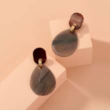 Ohrringe mit Acryl und Geometrie Design