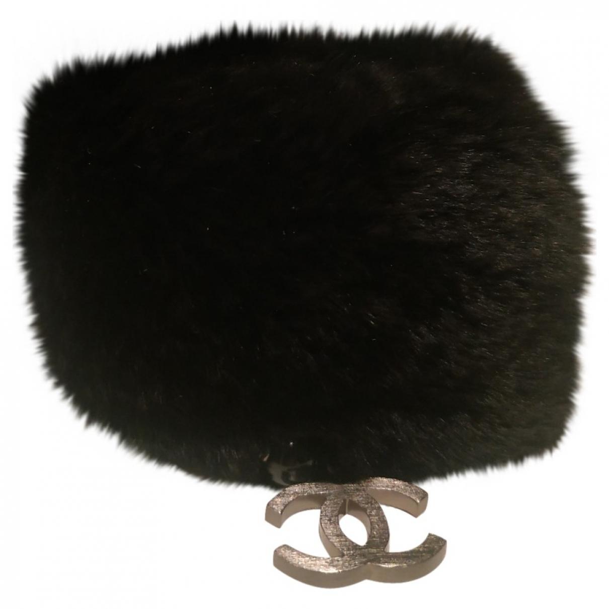 Chanel CC Armband in  Schwarz Kaninchen