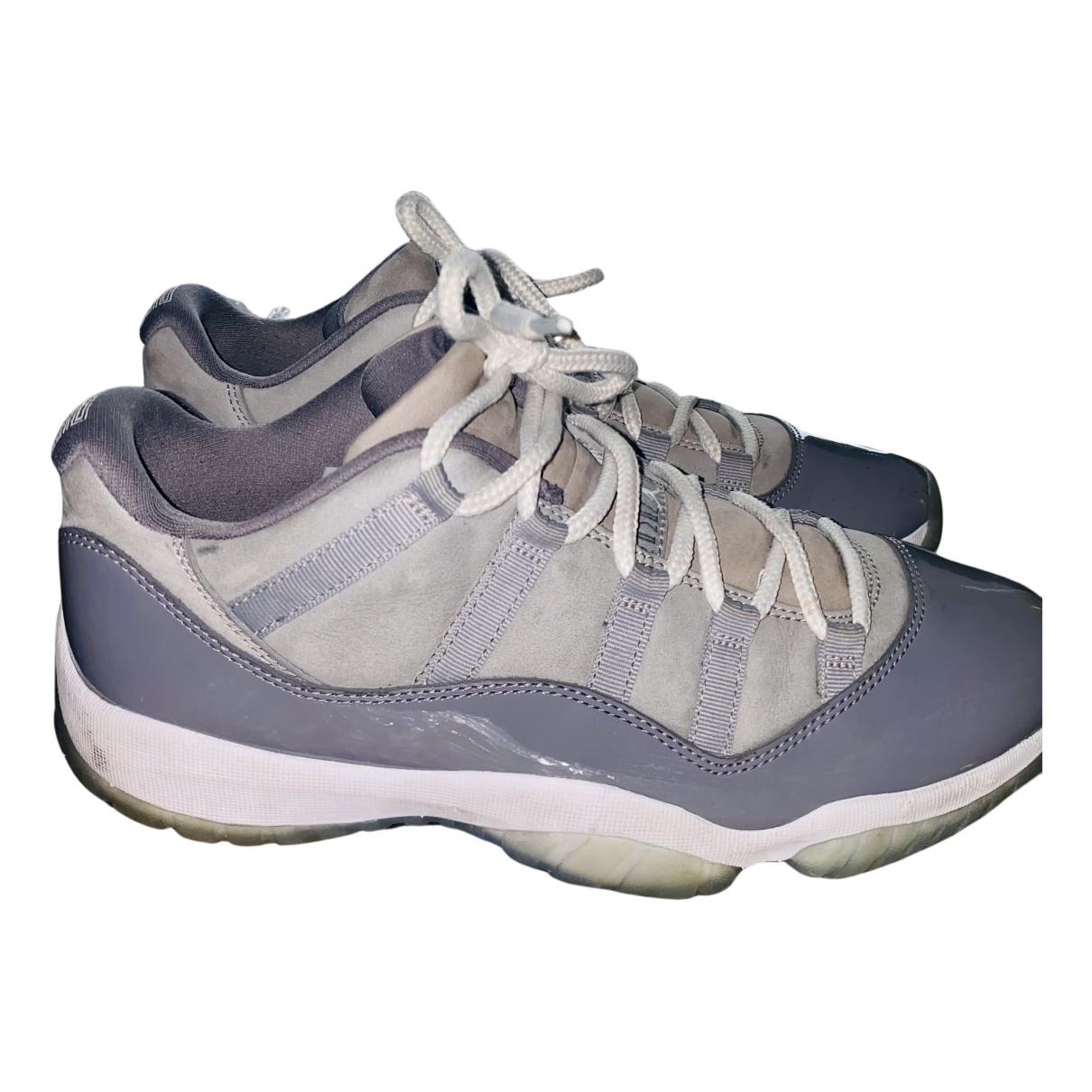 Jordan Air Jordan 11 Sneakers in  Grau Leinen