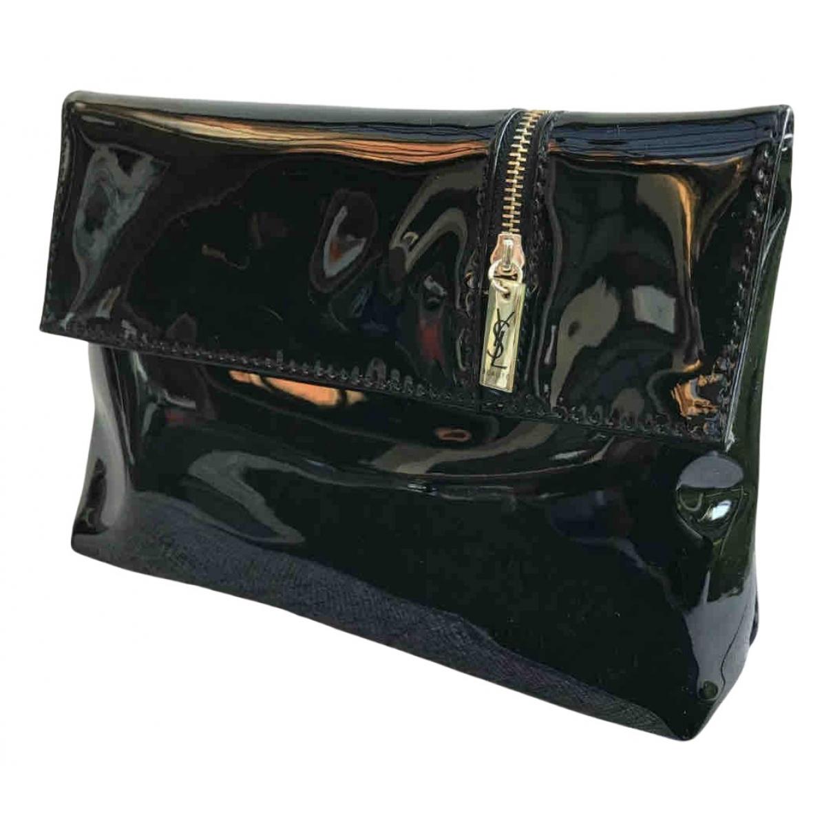 Yves Saint Laurent \N Reisetasche in  Schwarz Lackleder