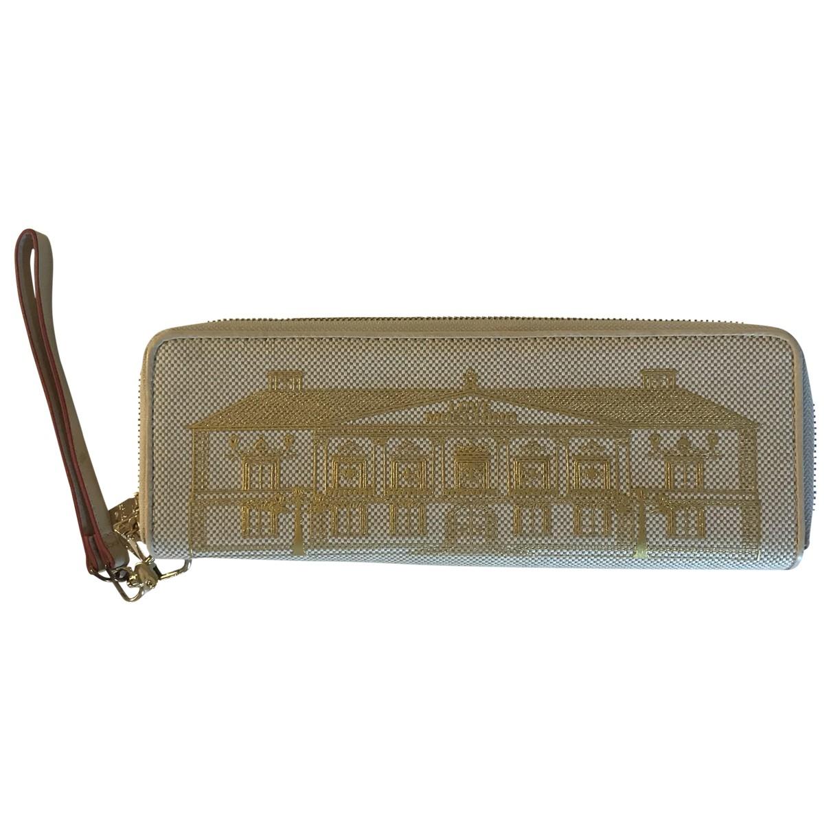 Moschino Love \N Beige Cloth Clutch bag for Women \N