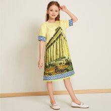 Kleid mit Architektur & Stamm Muster