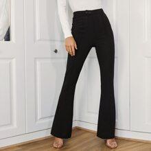 Zweifarbige Hose mit ausgestelltem Beinschnitt