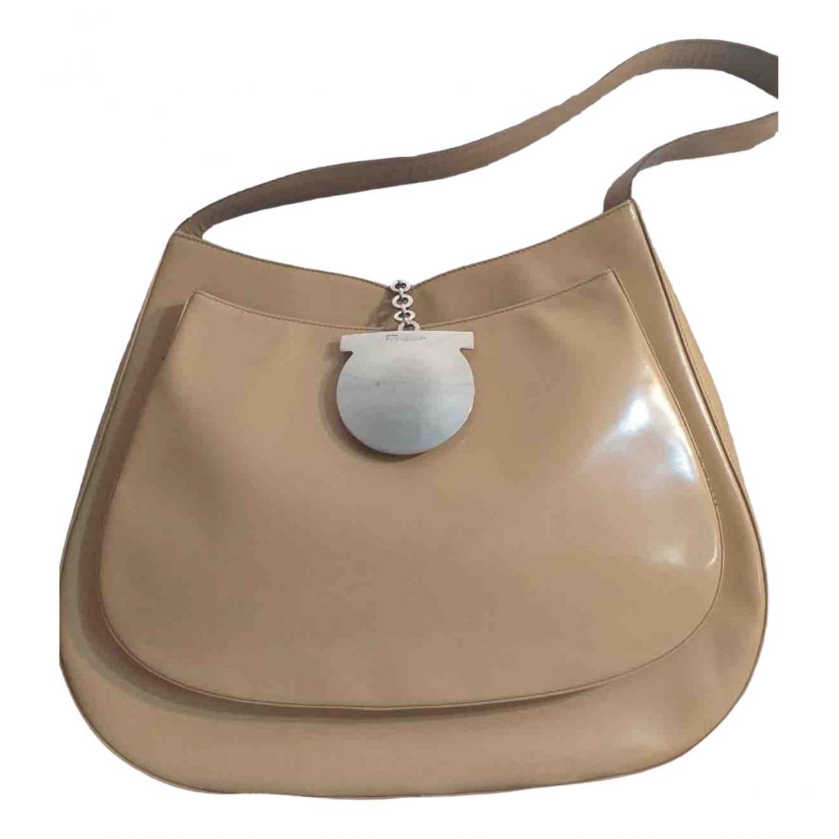 Salvatore Ferragamo \N Beige Leather handbag for Women \N