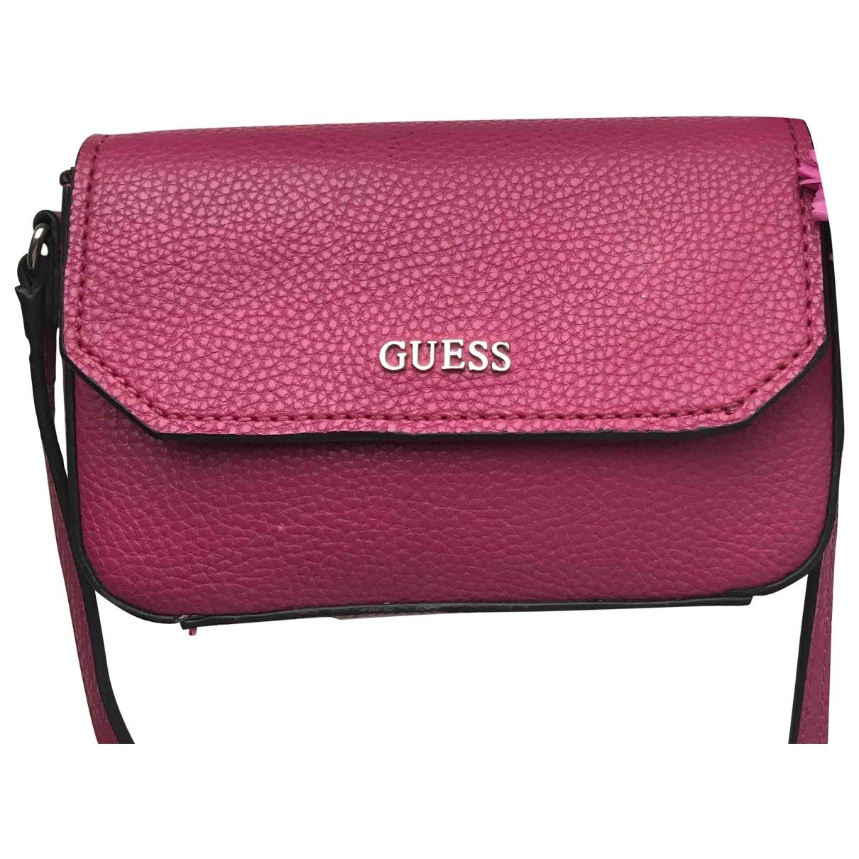 Guess \N Clutch in  Rosa Leder
