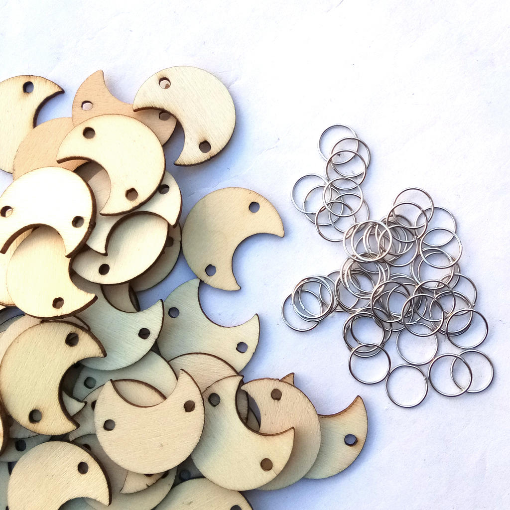 50Pcs Moon Shape Laser Engraving Wooden Sheet With 50 Iron Loops Set For Birthday Reminder DIY Hanging Wood Plaque Decor