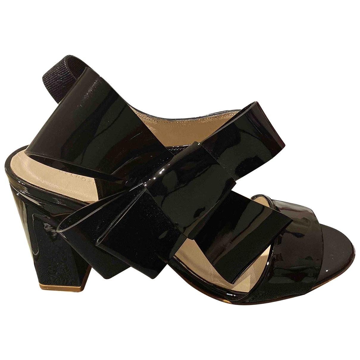 Delpozo \N Sandalen in  Schwarz Lackleder