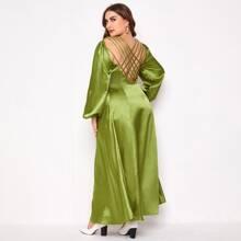 Vestido de saten de manga farol de espalda abierta