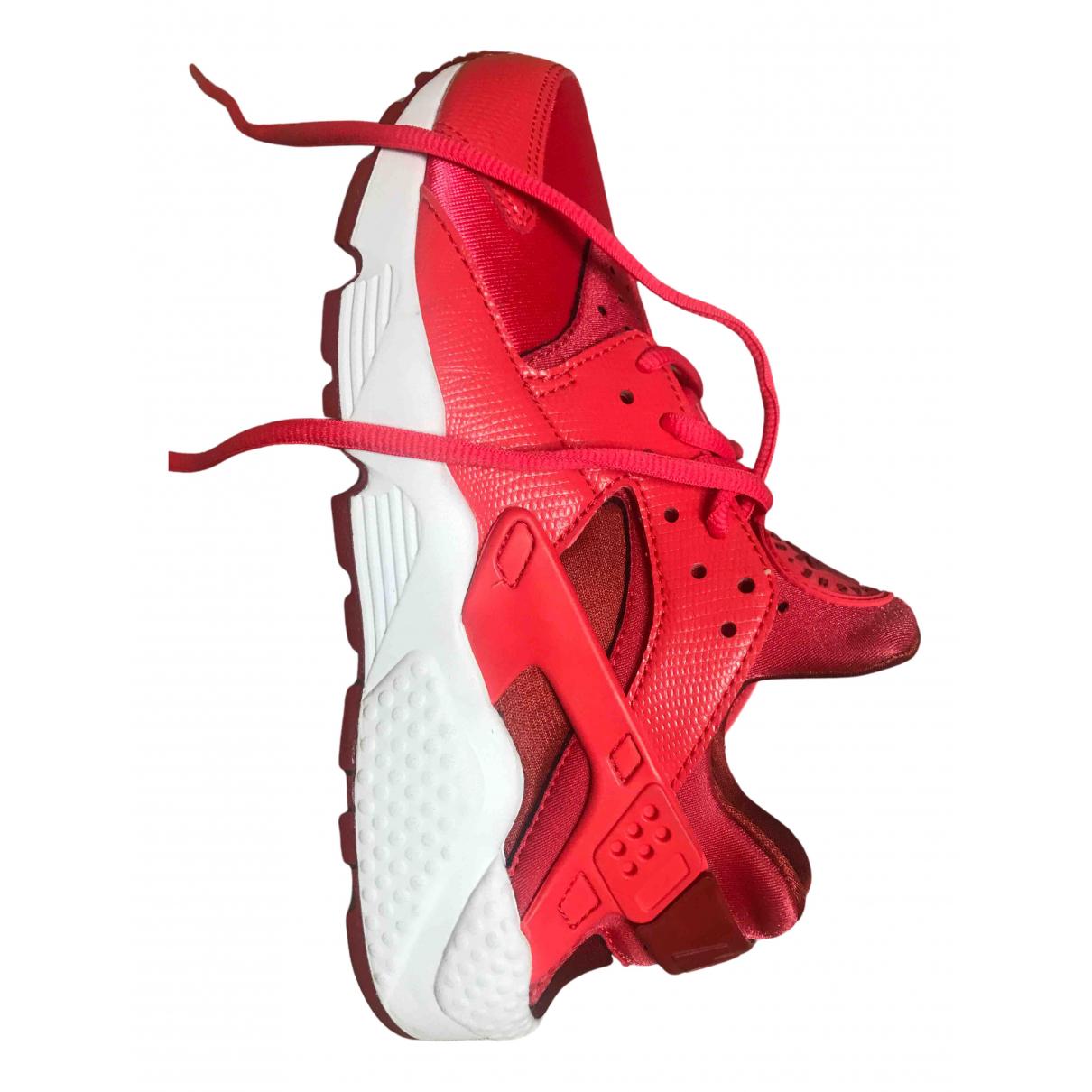 Nike Huarache Sneakers in  Bordeauxrot Polyester