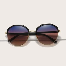 Sonnenbrille mit getonten Linse