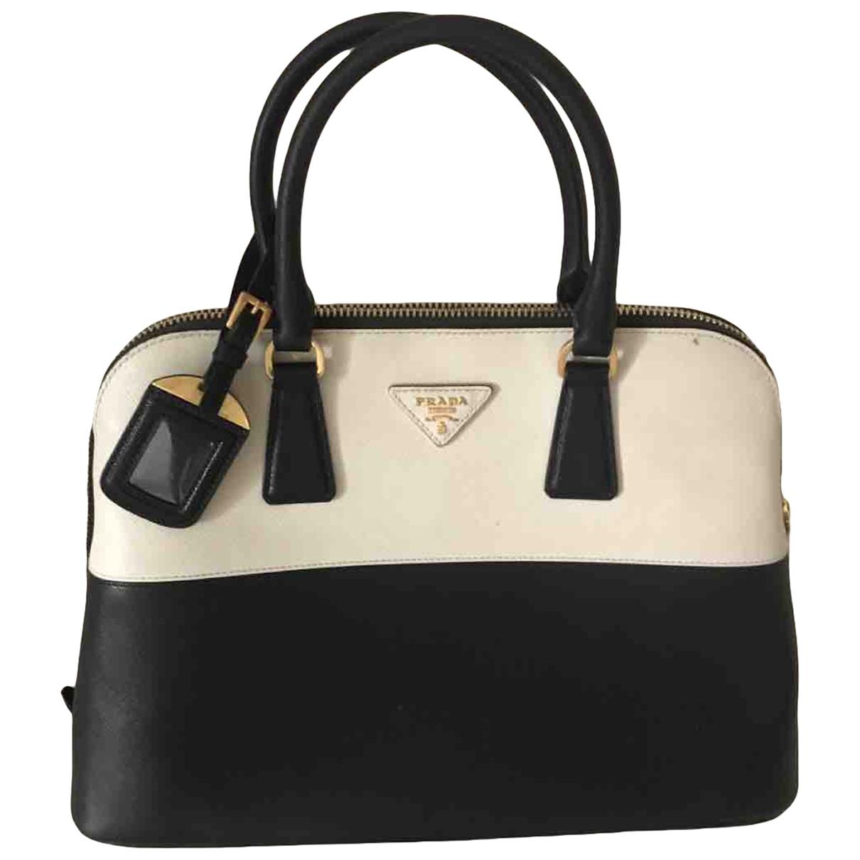 Prada saffiano  Handtasche in  Schwarz Leder