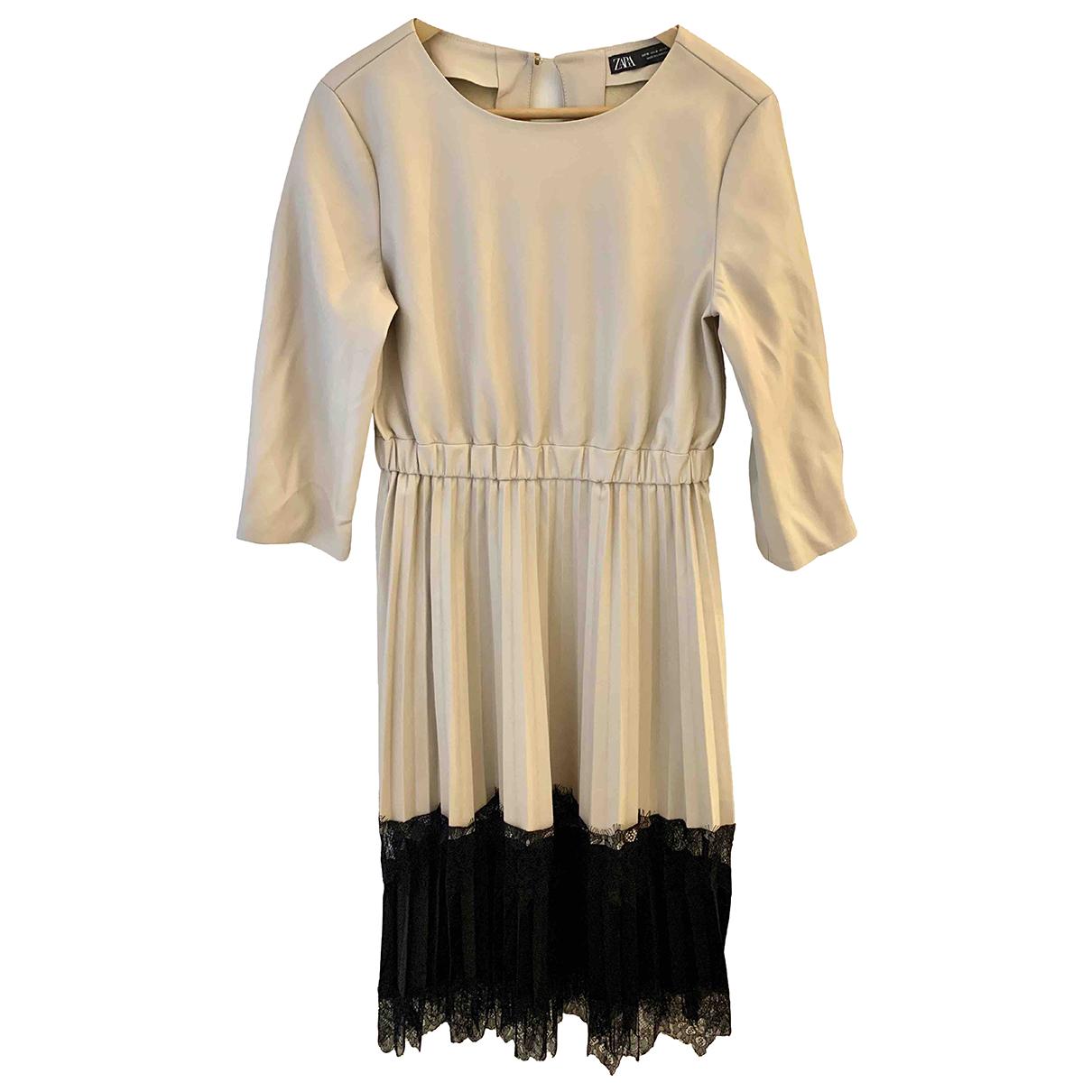 Zara \N Kleid in  Ecru Lackleder