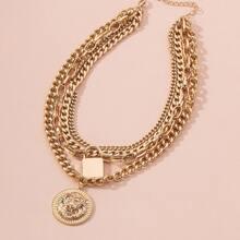 Halskette mit Lowen Design und rundem Anhaenger