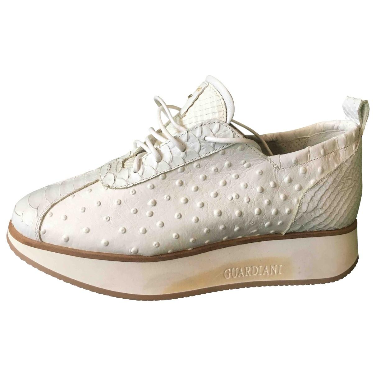 Alberto Guardiani - Baskets   pour femme en fourrure - blanc