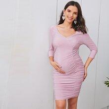 Maternity Kleid mit V Kragen, Ruesche Detail und Glitzer