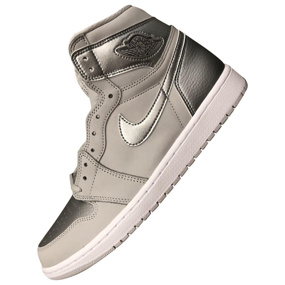 Jordan Air Jordan 1  Sneakers in  Silber Leder