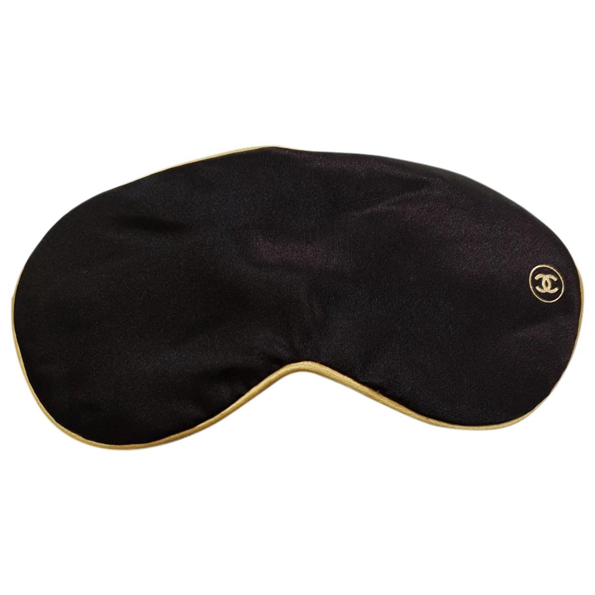 Mascara para dormir de Seda Chanel