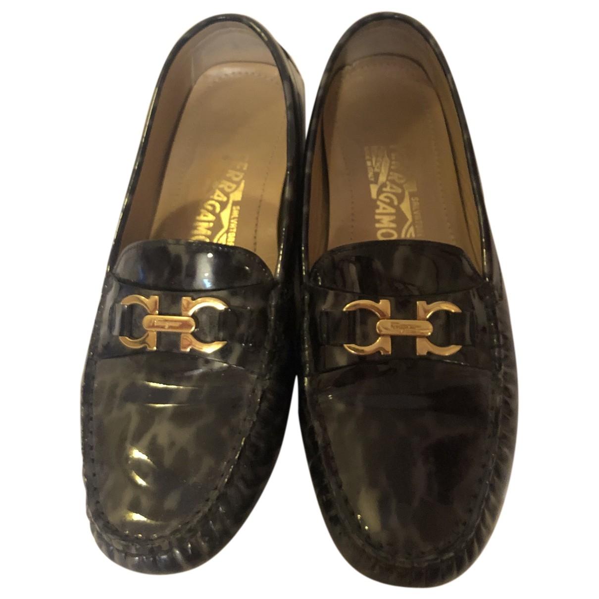 Salvatore Ferragamo \N Anthracite Patent leather Flats for Women 37 EU