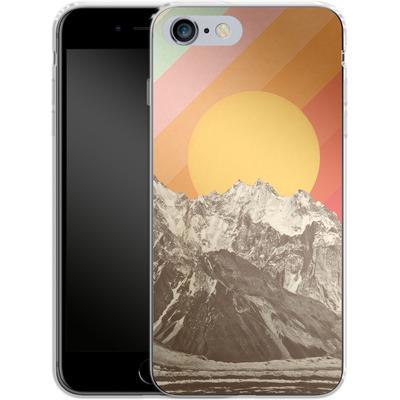 Apple iPhone 6s Plus Silikon Handyhuelle - Mountainscape von Florent Bodart