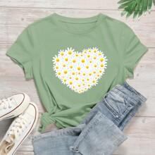Plus Daisy Floral Heart Print Tee