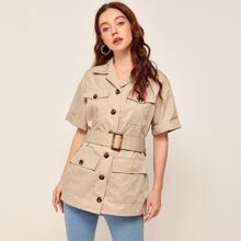 Mantel mit eingekerbtem Kragen, Taschen Klappe, Flicken, Schnalle und Guertel
