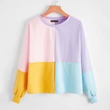 Sweatshirt mit sehr tief angesetzter Schulterpartie und Farbblock