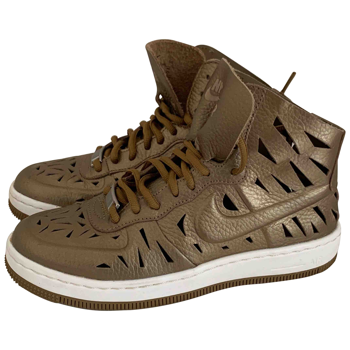 Nike - Baskets Air Force 1 pour femme en cuir - dore