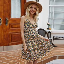 Sommerkleid mit ueberallem Blumen Muster und Raffungsaum