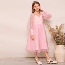 Maedchen Kleid mit Laternenhuelse und Netzstoff