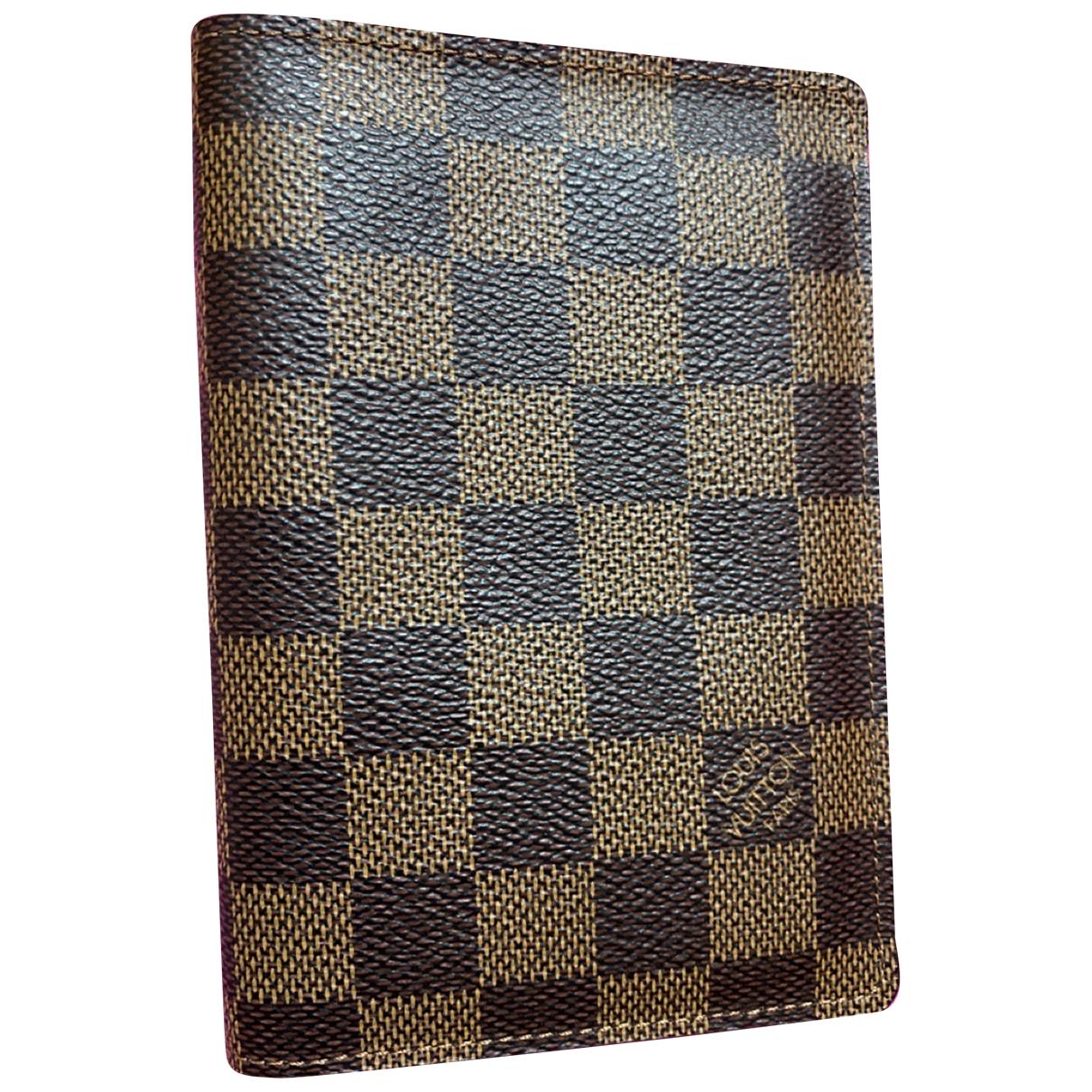 Louis Vuitton - Petite maroquinerie Passport cover pour femme en toile - marron