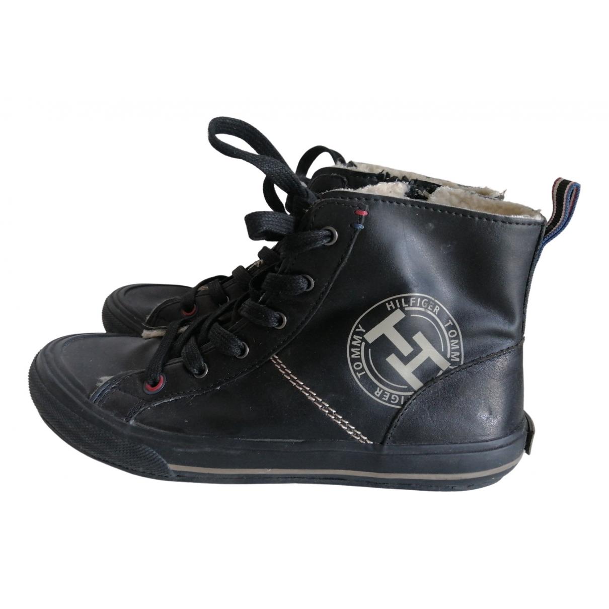 Tommy Hilfiger \N Sneakers in  Schwarz Leder