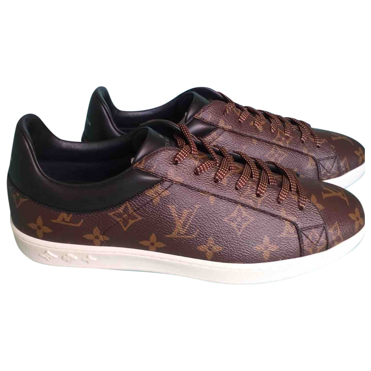 Louis Vuitton Luxembourg Sneakers in  Braun Leinen