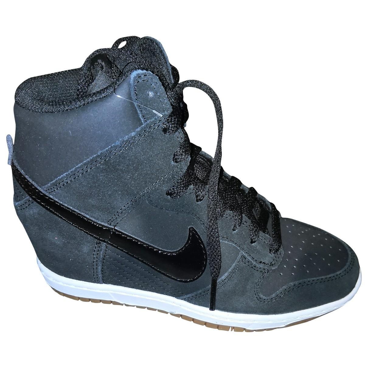 Nike - Baskets Dunk Sky pour femme en suede - noir
