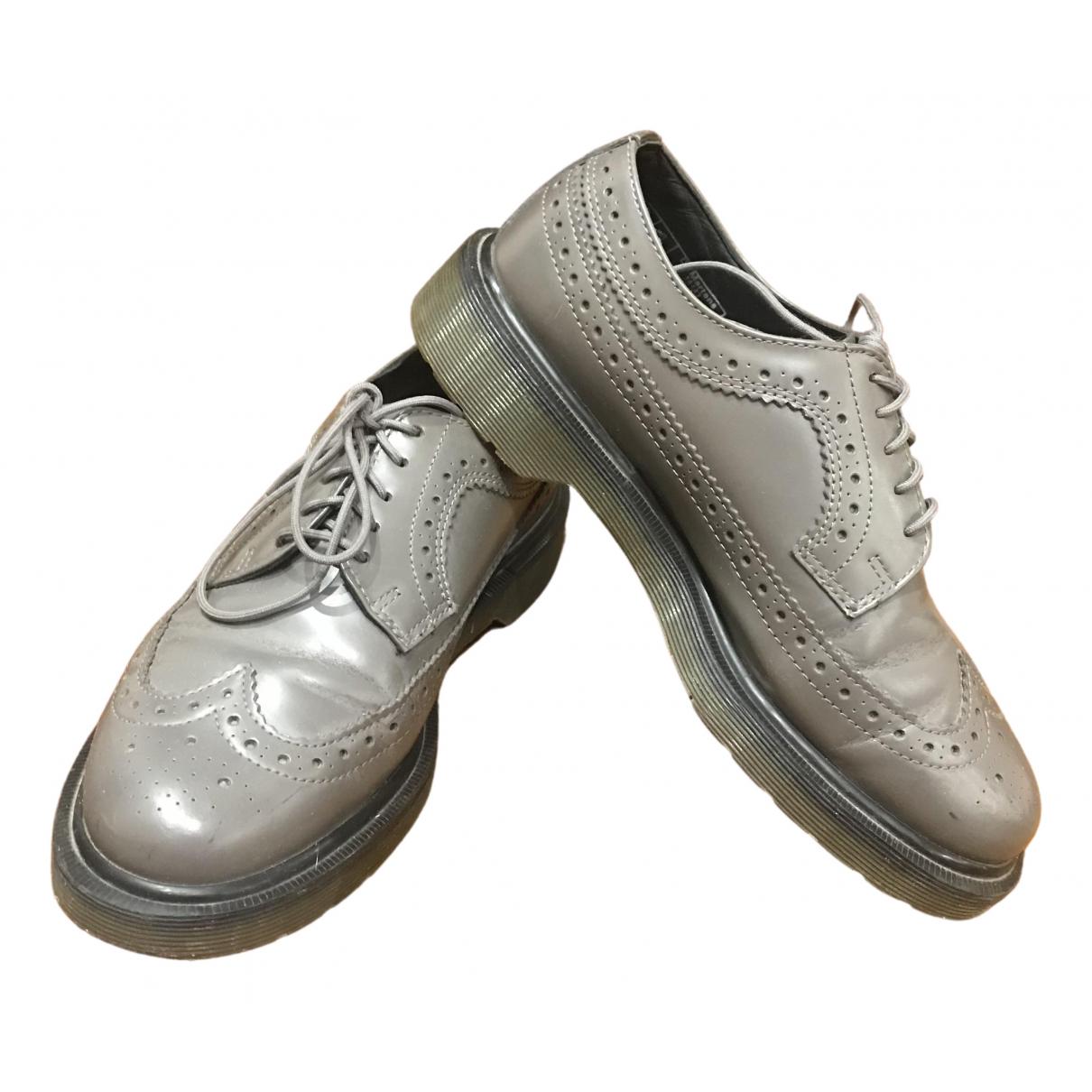 Dr. Martens - Derbies 3989 (Brogue) pour femme en cuir - gris