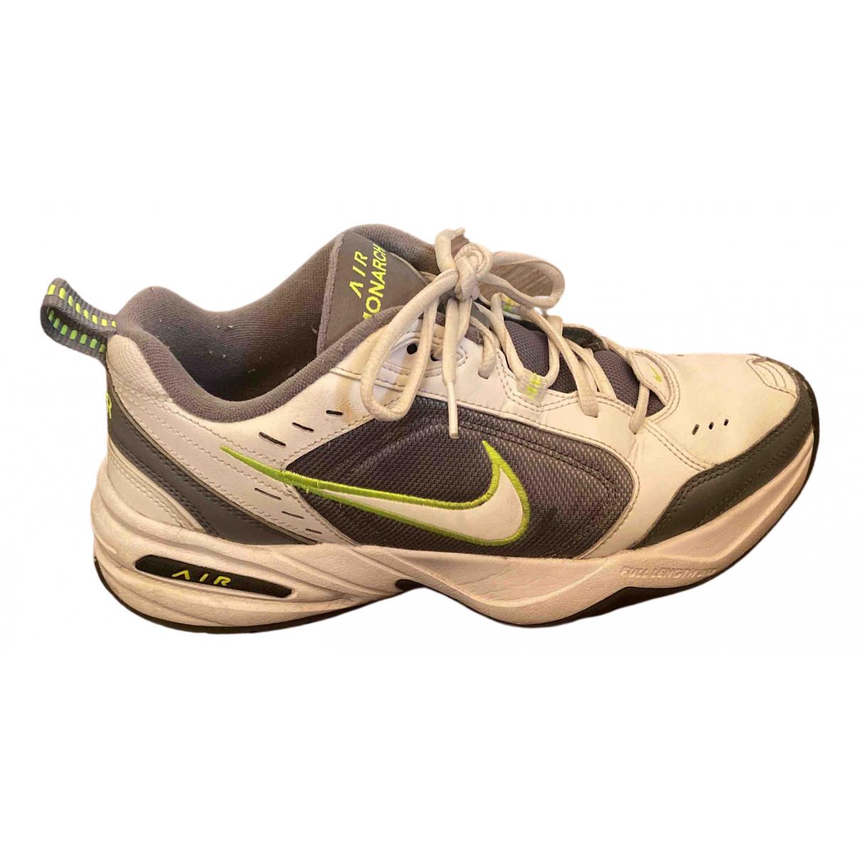 Nike - Baskets Air Monarch pour homme en cuir - blanc