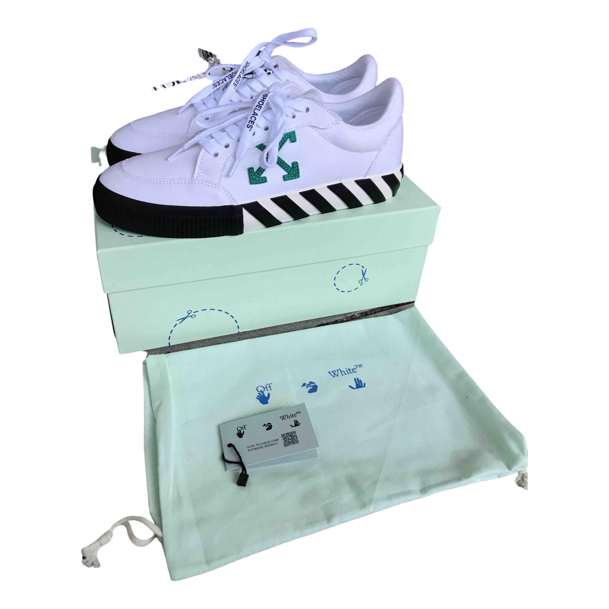 Off-white Vulcalized Sneakers in  Weiss Leinen