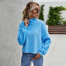 Flauschiges Sweatshirt mit Stehkragen und sehr tief angesetzter Schulterpartie