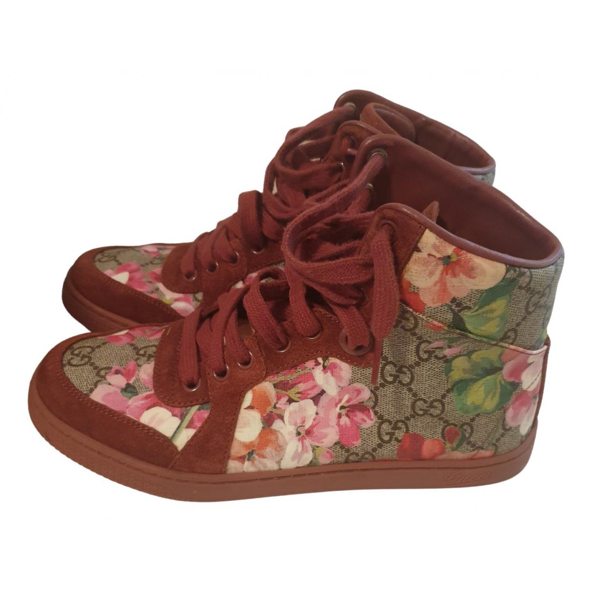 Gucci \N Sneakers in  Rosa Leder
