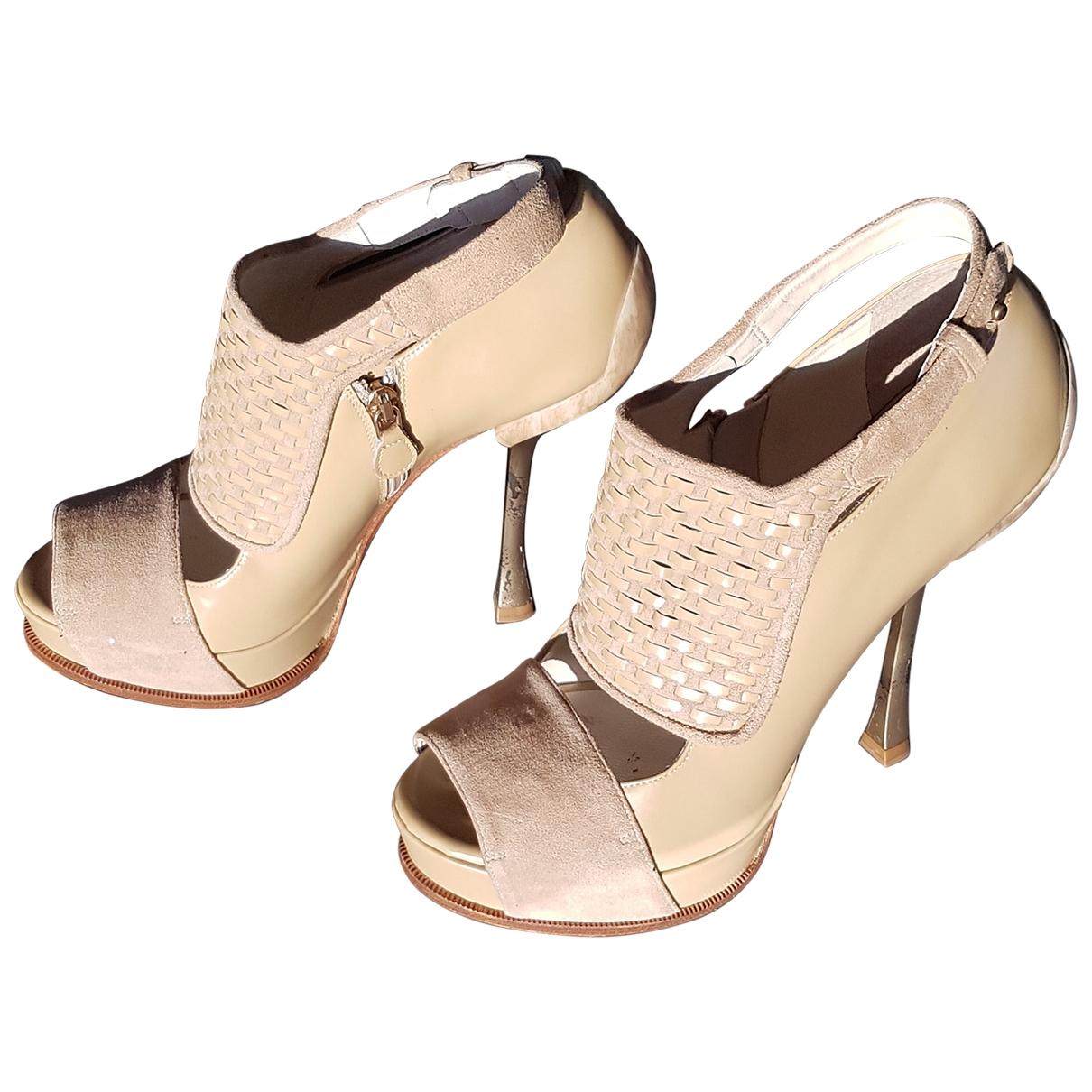 Gianfranco Ferré \N Beige Leather Heels for Women 38.5 EU