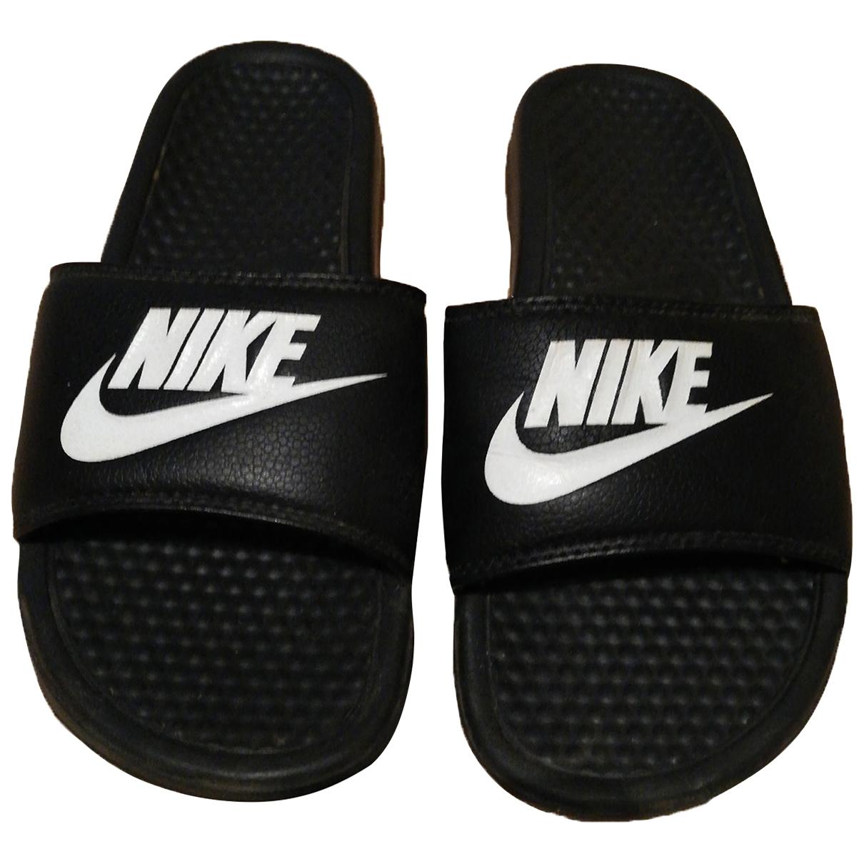 Nike - Sandales   pour femme en caoutchouc - noir