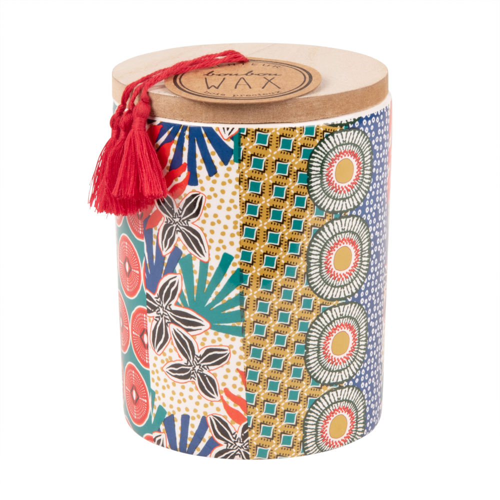 Duftkerze im bedruckten Keramikgefaess mit Deckel