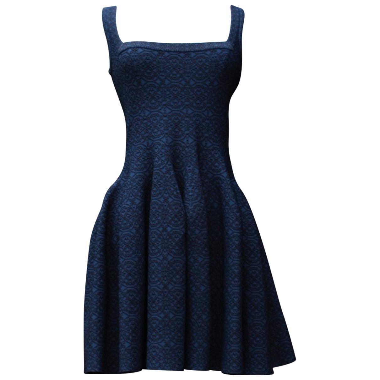 Alaia \N Kleid in  Blau Viskose