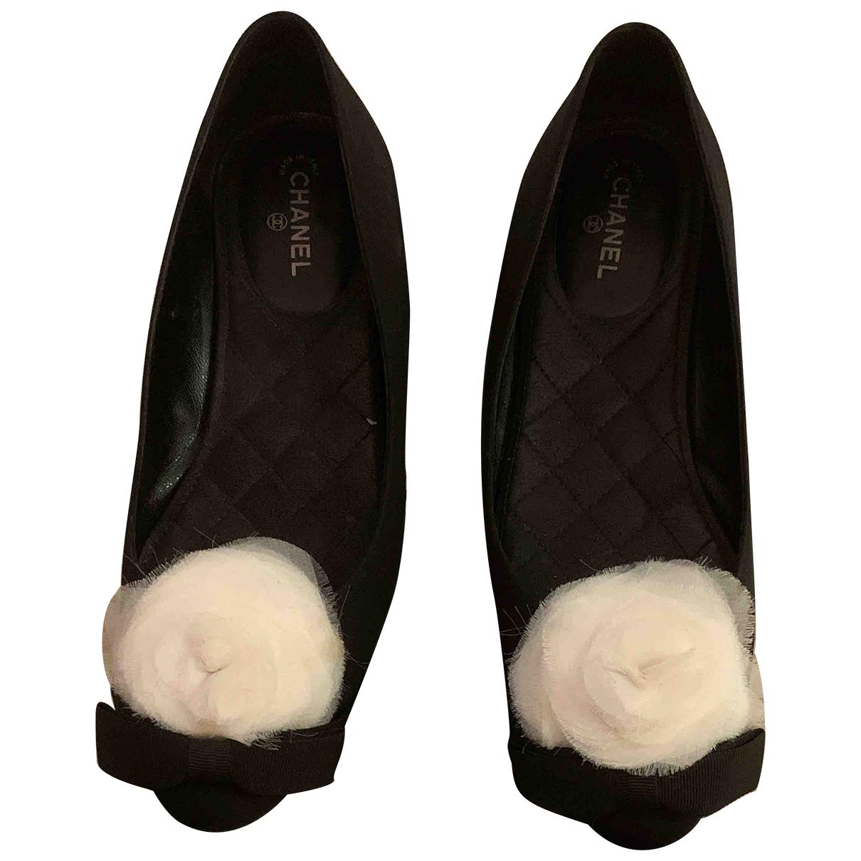 Chanel \N Black Cloth Flats for Women 39 EU