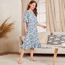 Nachtkleid mit Blumen Muster, Kontrast Spitzen und Rueschen