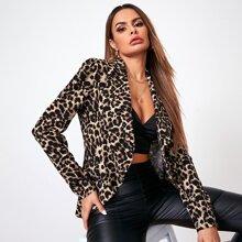 Blazer de leopardo bajo asimetrico de cuello cascada
