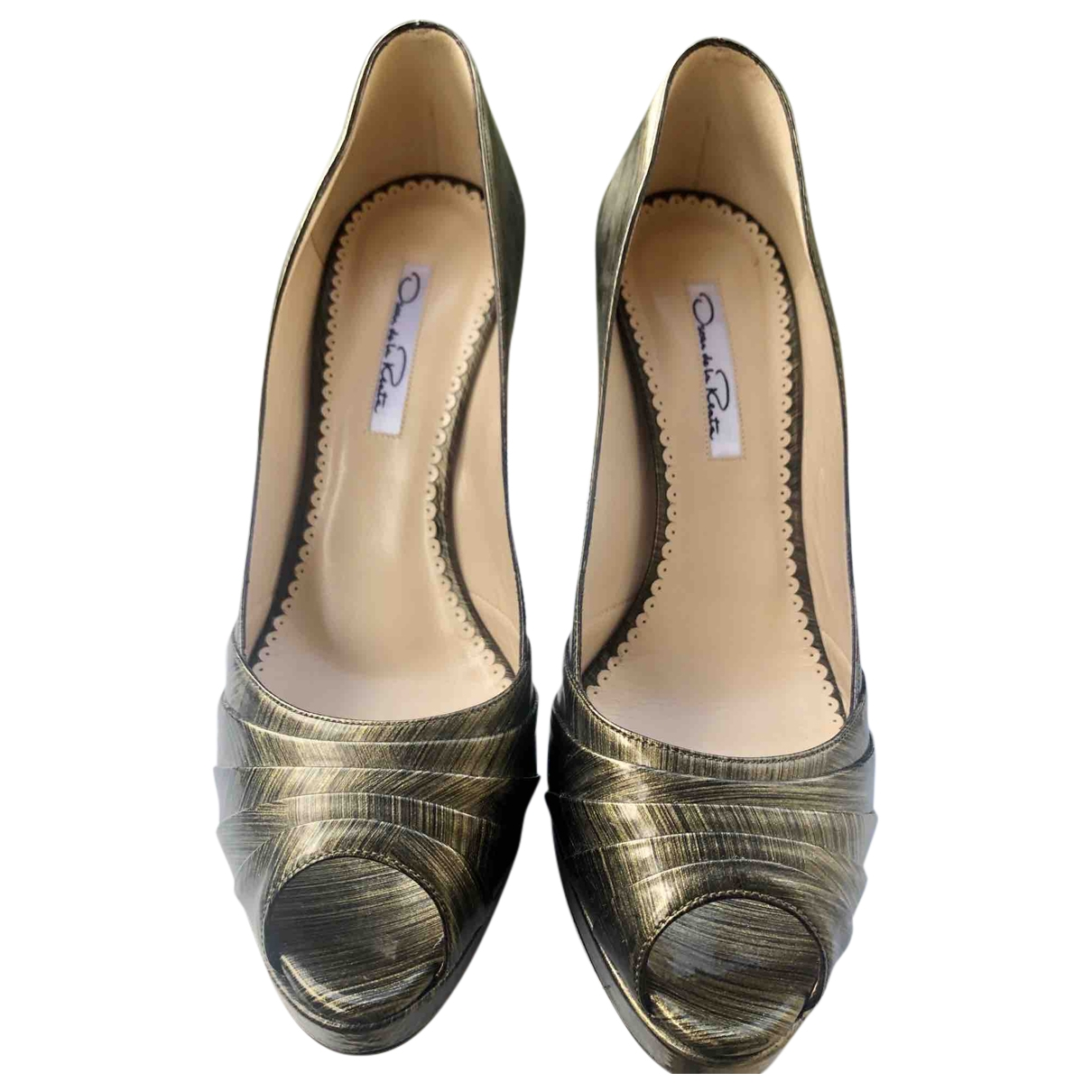Oscar De La Renta \N Khaki Patent leather Heels for Women 38.5 EU