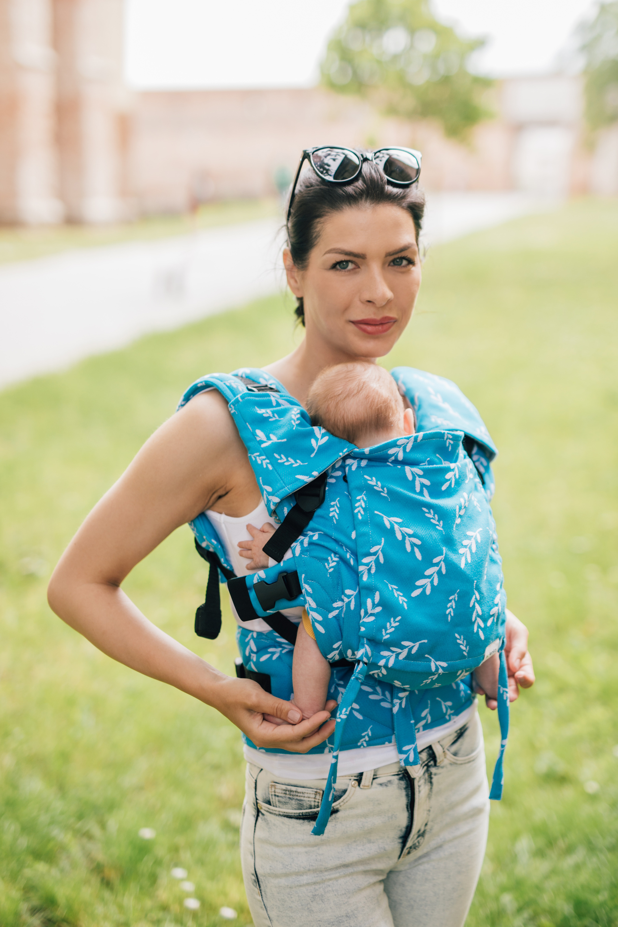 Baby carrier - Be Lenka Mini - Leaves - Azure classic without the possibility of crossing