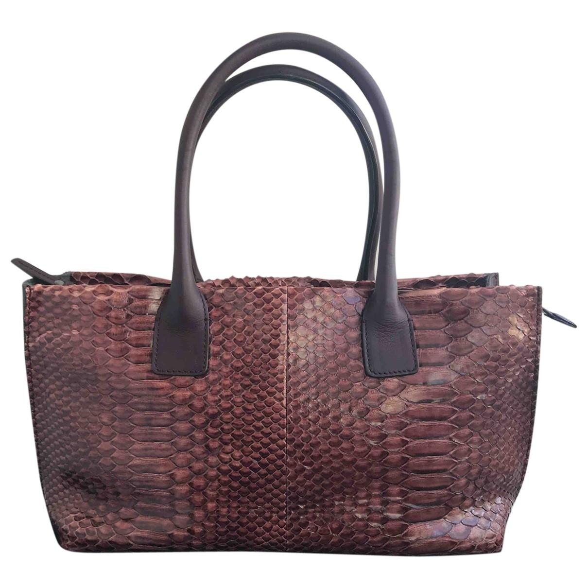 Brunello Cucinelli \N Handtasche in  Bordeauxrot Python