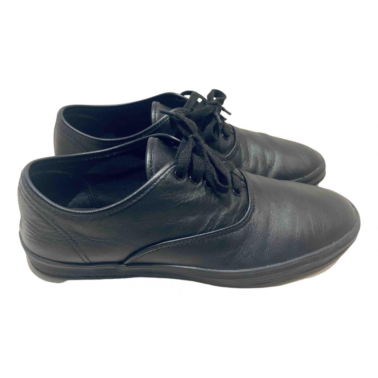 Comme Des Garcons \N Sneakers in  Schwarz Leder