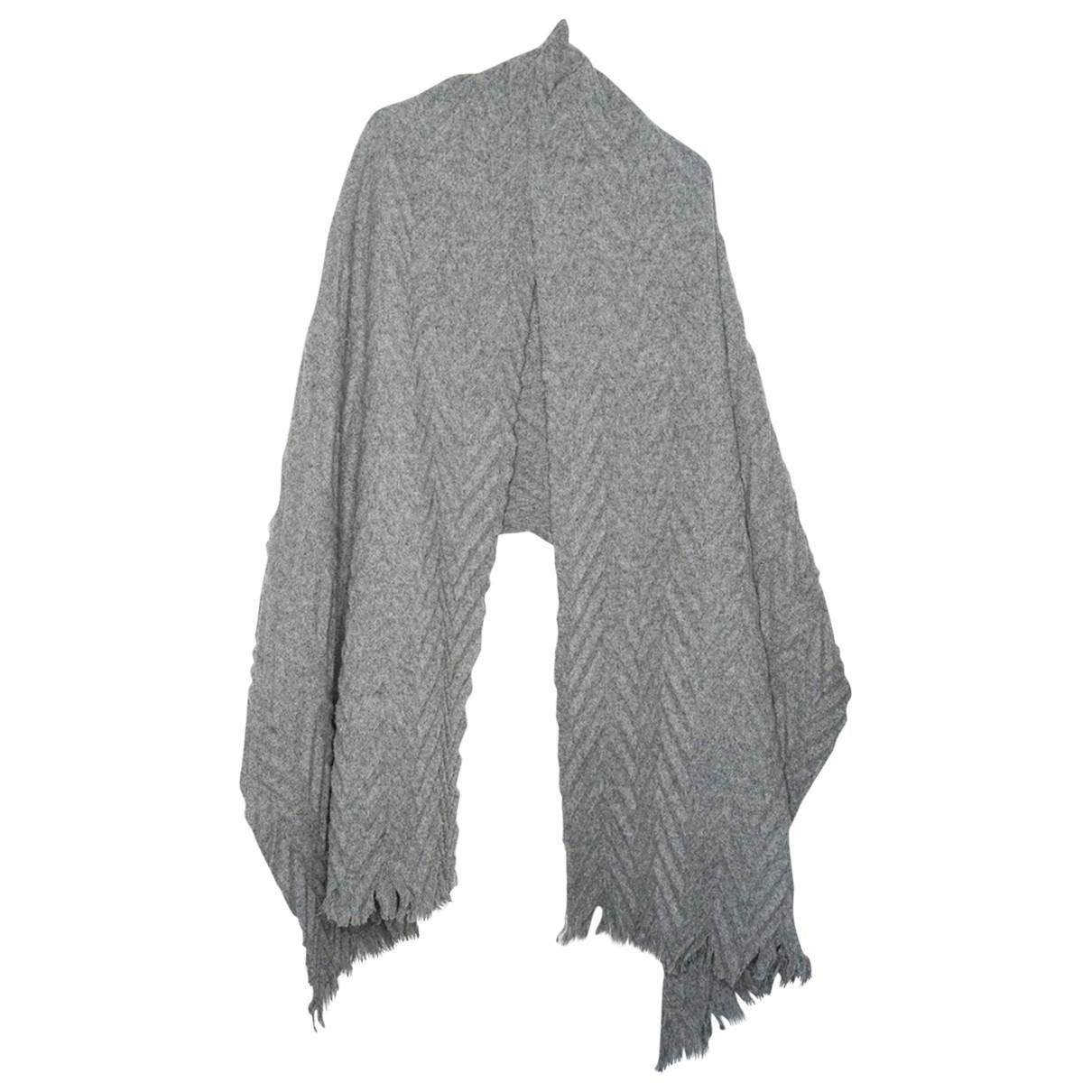 Cos \N Schal in  Grau Wolle